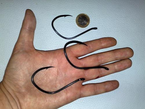 Крючки для солидных живцов и крупных сомов